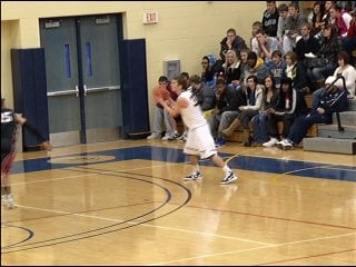 David Fritsch hits from 3-point range