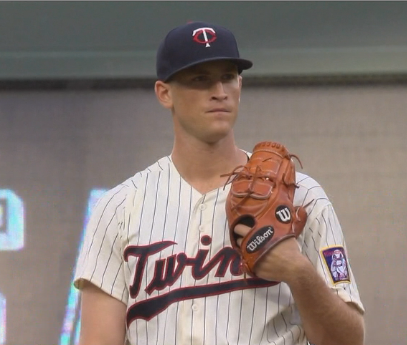 Twins fall flat in double-header opener against Indians