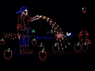 Bluff Valley's spectacular light show is back - KXLT - Fox 47 ...