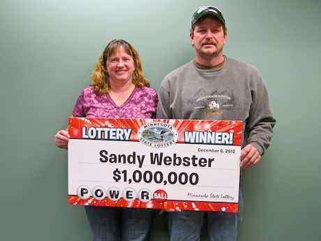 Sandy Webster and her husband James Webster. Photo by Minnesota State Lottery