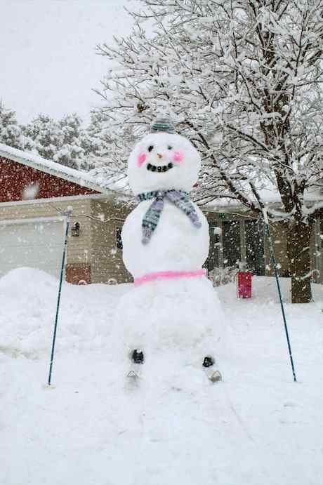 7.5 ft. skiing snow lady / Photo from Madison Kelly