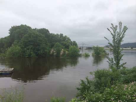 Mississippi above flood stage in Winona