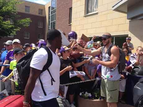Vikings players report to training camp in Mankato