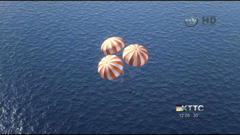 Orion splashes down 275 miles west of Baja California at 10:29 a.m. Friday