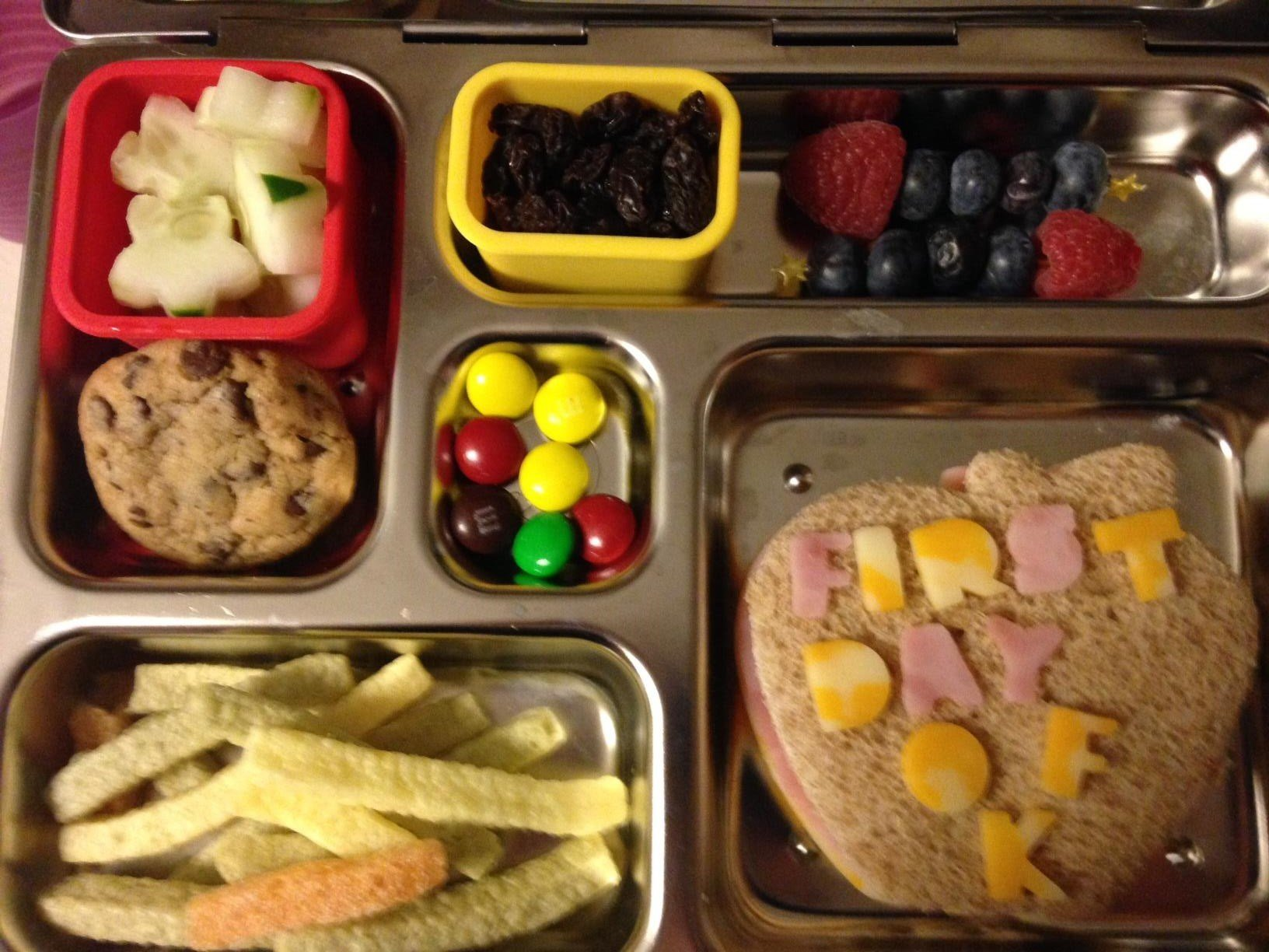 Andrea Tieskotter leaves messages for her kids in their lunches