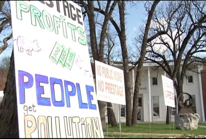 Northern iowans voice concerns about proposed mason city for Community motors mason city ia