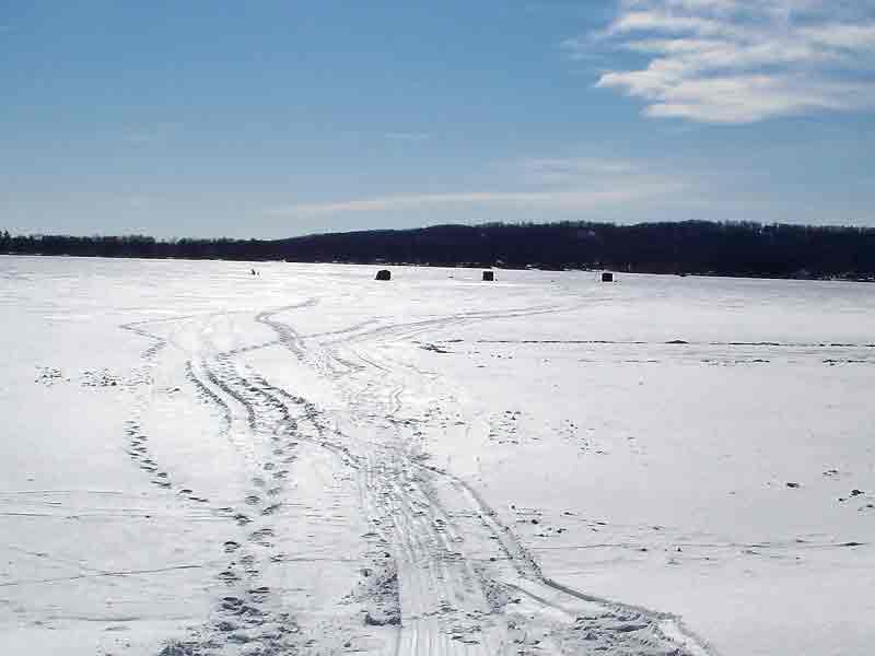 Take your kid ice fishing this weekend in minnesota kwwl for Ice fishing iowa