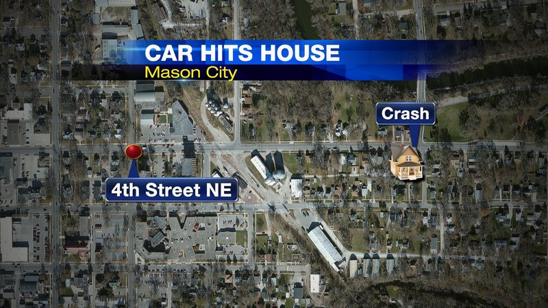 Car Crashes Into Home In Mason City Driver Flees The