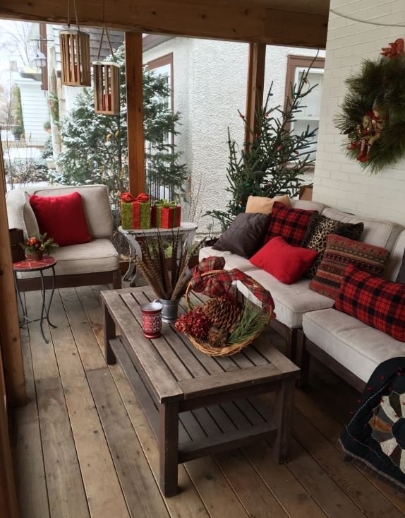 Robin Wolfram's home is ready for the holidays!